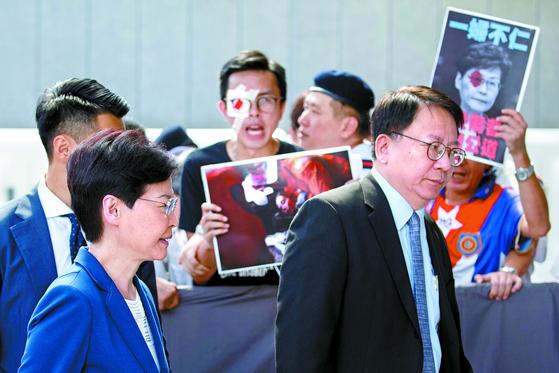 홍콩 안대 시위 격화, 또 항공편 결항