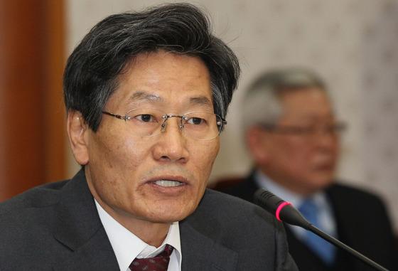 김능환 전 대법관(사진)이 퇴임 두 달을 앞둔 2012년 5월 24일 내린 강제징용 판결로 한일 관계는 새로운 국면에 접어들었다. [연합뉴스]
