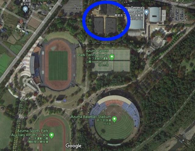 구글 위성지도에서 확인된 아즈마 야구장 인근 지역의 야적장(파란색 원). 사진=구글맵 캡처