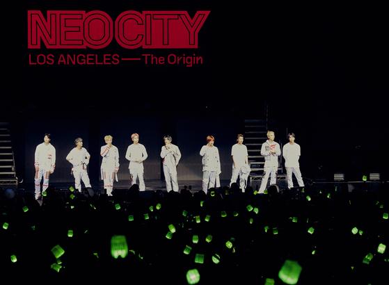 지난 5월 미국 LA 등 9개 도시에서 공연한 NCT 127. [사진 각 기획사]