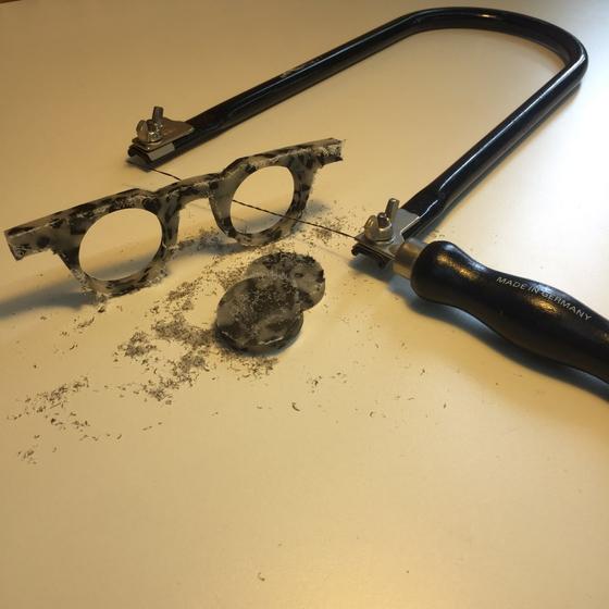 내 얼굴에 딱 맞는 3D 프린팅 안경부터, 내 손으로 직접 만드는 수제 안경까지, 안경 시장에 '맞춤' 바람이 불고 있다. [사진 오또]