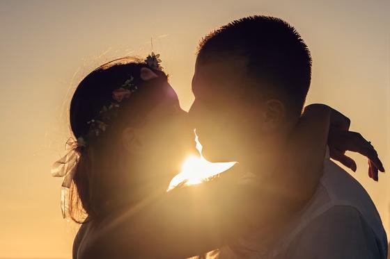 영화에는 키스하는 남녀의 모습이 자주 등장하지만 현실에서는 조금 다르다. [사진 pixabay]