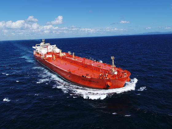 삼성중공업이 건조해 올해 인도한 LNG 연료추진 원유 운반선. [사진 삼성중공업]