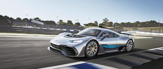메르세데스-AMG의 하이퍼카 '원(One)'. 1.6L V6 터보엔진과 전기모터를 조합해 최고출력 1000마력을 낸다. [사진 메르세데스-AMG]