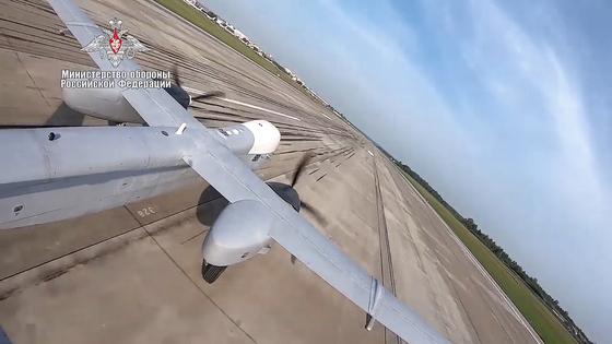 러시아 국방부가 20일 유튜브에 신형 드론 Altius-U 공격 및 정찰 무인 항공기의 첫 비행을 공개했다. [TASS=연합뉴스]