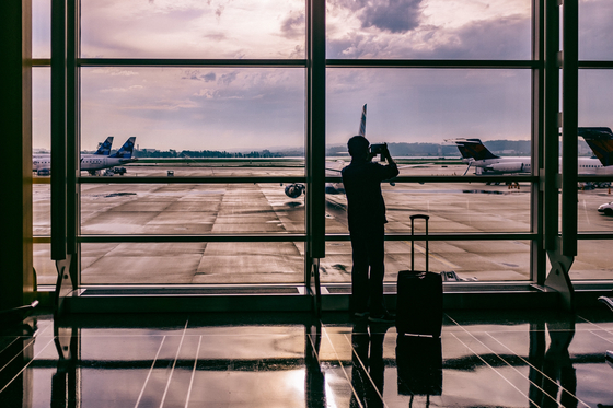 해외출장을 떠나는 날 엄마는 하늘나라로 가셨다. (내용과 연관없는 사진.) [사진 unsplash]