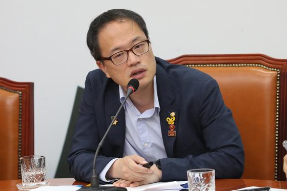 박주민 더불어민주당 의원이 지난 6일 서울 여의도 국회에서 열린 국회혁신특별위원회 제2차 회의에서 모두발언을 하고 있다. [뉴스1]