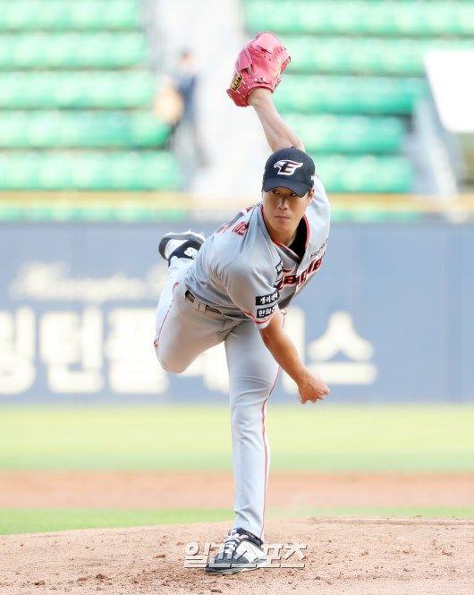 21일 1군 엔트리에서 말소된 한화 오른손 투수 박윤철. IS 포토
