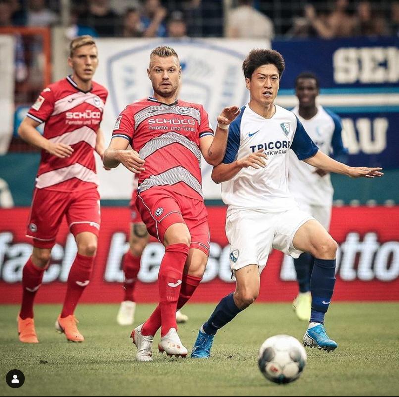 독일프로축구 보훔 미드필더 이청용(오른쪽). [사진 이청용 인스타그램]