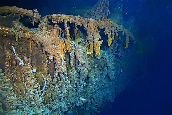 이달 초 수중 촬영된 타이태닉호의 모습. [로이터=연합]