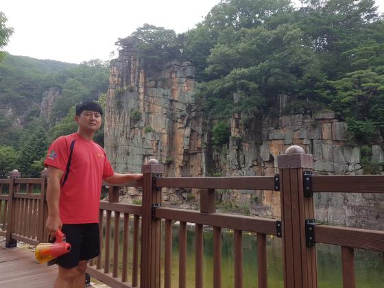 오세훈 목사는 올 여름 충북 단양 사인암 유원지에서 인명구조요원으로 활약했다. [사진 오세훈 목사]
