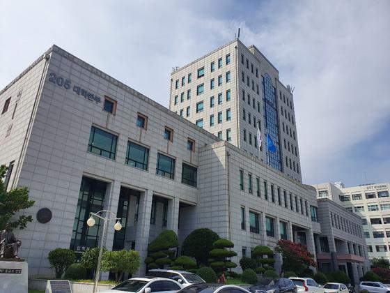 23일 오후 부산대학교 대학 본부 건물. 신혜연 기자