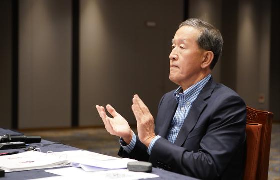 허창수 GS 회장이 23일부터 이틀 간 강원도 춘천에서 열린 'GS 최고경영자 전략회의'에서 저성장시대 성장 전략을 당부했다. [사진 GS]