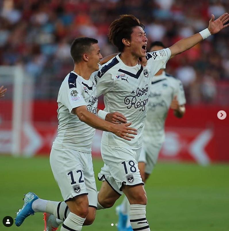 프랑스 프로축구 데뷔골을 터트리면서 승리를 이끈 보르도 황의조(오른쪽). [사진 보르도 인스타그램]