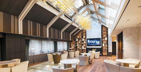 롯데면세점 명동본점에 위치한 국내 최대 규모 VIP 라운지 '스타라운지'.