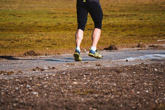 노화의 징후는 아래쪽부터 온다. 다리의 기운이 빠져 뛰는 것은커녕 걷는 것도 싫어진다. [사진 pixabay]