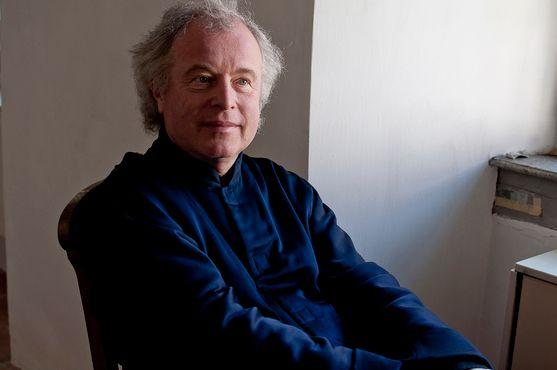 연주자·평론가 4인이 최근 인상적이었던 베토벤 연주자들을 꼽았다. 사진은 피아니스트 안드라스 쉬프. [사진 ECM]