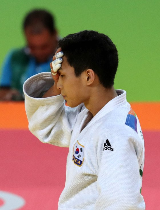 국가대표 자격을 충족하지 못한 채 세계선수권에 출전해 논란을 일으킨 안바울. [중앙포토]