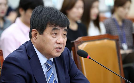 한상혁 방송통신위원장 후보자 인사청문회가 30일 국회에서 열렸다. 이날 한 후보자가 의원의 질의에 답하고 있다. 김경록 기자