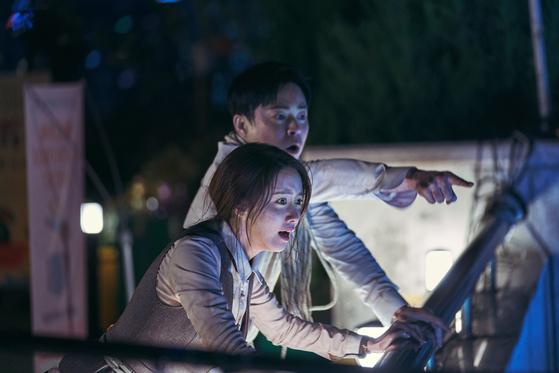 영화 '엑시트'의 한 장면. [사진 CJ엔터테인먼트]