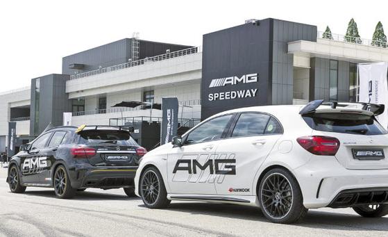 서킷처럼 가혹한 환경에서 타이어의 중요성이 강조된다. 한국타이어는 국내외 자동차 경주를 통해 얻은 노하우를 담은 고성능 타이어를 AMG 스피드웨이 등에 공급한다. [사진 한국타이어]
