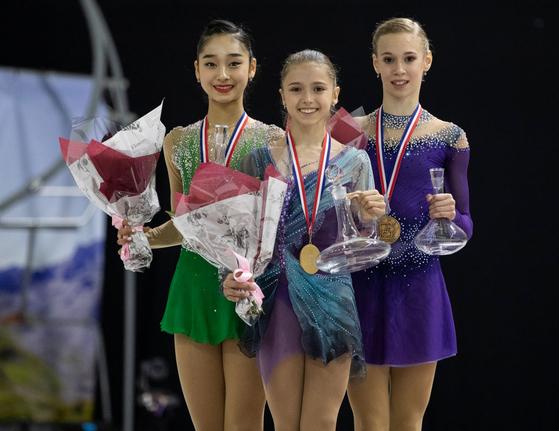 지난달 23일 2019~20 ISU 주니어 그랑프리 1차 대회 여자 싱글에서 은메달을 딴 위서영(왼쪽). [사진 ISU홈페이지]