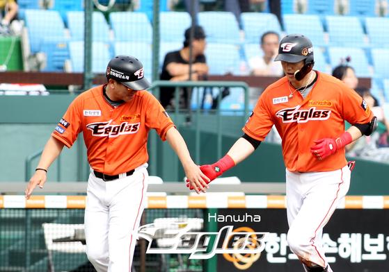 1일 대전 KT전에서 홈런을 날린 한화 내야수 김회성. [사진 한화 이글스]