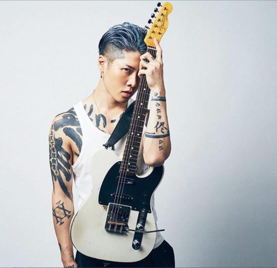 재일동포 3세로 세계무대에서 왕성히 활동하고 있는 록 뮤지션 미야비 [인스타그램]