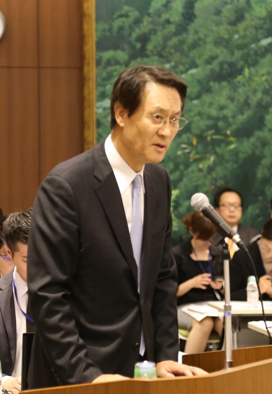 지난해 10월 일본 도쿄(東京) 주일 한국대사관에서 열린 국회외교통상위원회의 국정감사에서 이수훈 주일 한국대사가 발언하고 있다. [연합뉴스]