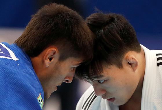 세계선수권에서 한국의 유일한 은메달리스트 김임환(오른쪽)의 경기 모습. [로이터=연합뉴스]