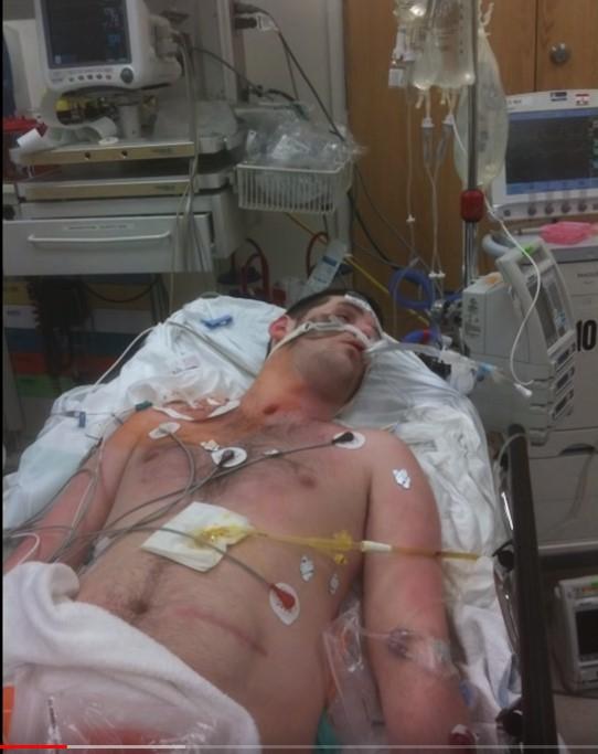 같은 대학 재학생과 그 친구로부터 폭행을 당한 후 심각한 뇌 손상을 입고 병원에서 치료를 받고 있는 라이언의 생전 모습. [유튜브 캡처]