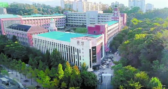 조국 법무부 장관 후보자의 딸이 다녔던 서울 한영외고 전경. 당시 유학반 입시 코디네이터였던 A씨는 조 후보자 딸이 참여했던 인턴십 프로그램을 설계했다는 것을 부인했다. [한영외고 유튜브 캡처]