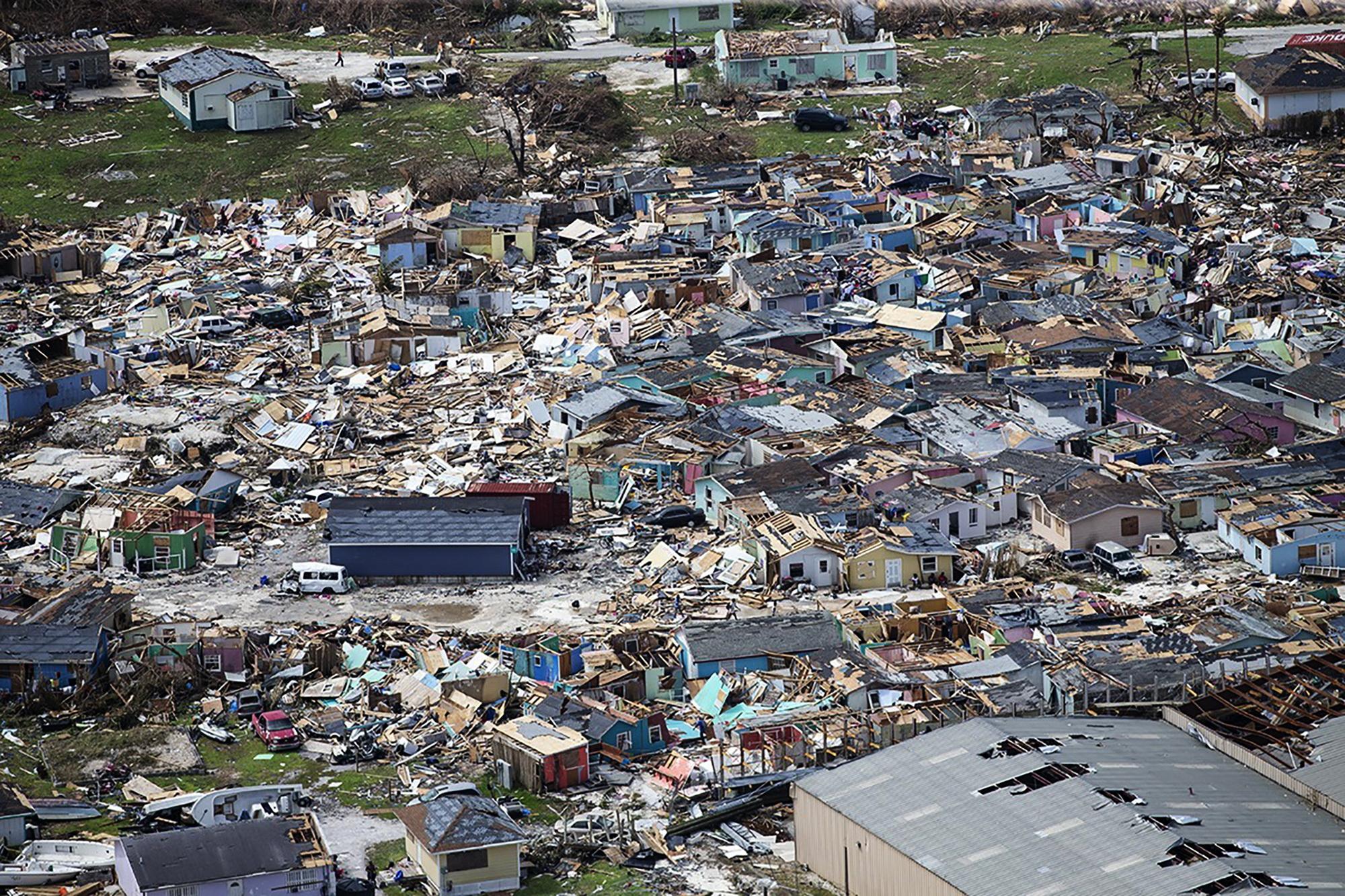 허리케인 도리안으로 파괴된 그레이트아바코 주택가의 4일(현지시간) 모습. [AP=연합뉴스]