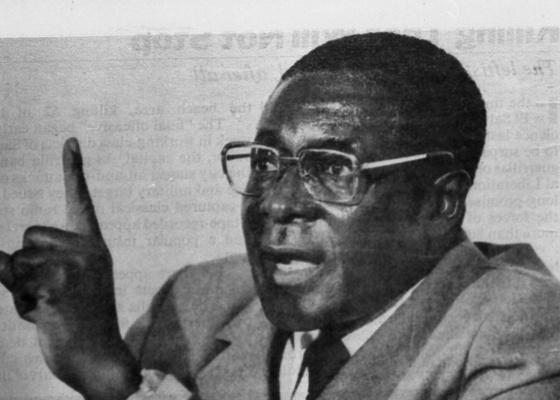총리 시절 로버트 무가베 전 짐바브웨 대통령 [중앙DB]