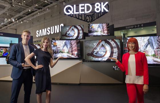 삼성전자가 6일 개막한 IFA 2019에서 선보인 QLED 8K TV [사진 삼성전자]