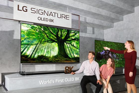 LG전자가 올해 IFA에서 선보인 OLED 8K TV [사진 LG전자]