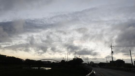 제13호 태풍 '링링'이 지나간 7일 오후 충남 서산시 해미읍성에서 하늘이 점차 맑아지고 있다. [뉴스1]