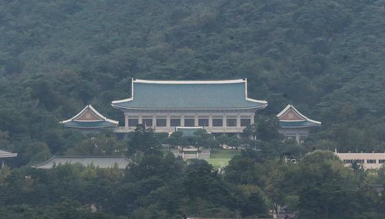 8일 세종대로에서 바라본 청와대의 모습. [연합뉴스]
