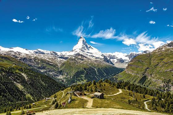 KRT가 보다 편안하고 특별한 유럽 비즈니스 상품을 출시했다. 사진은 스위스 알프스의 마테호른 전경. [사진 KRT]