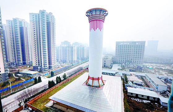 중국 산시 성 시안에 세워진 공기정화탑(스모그 정화 타워). [연합뉴스]