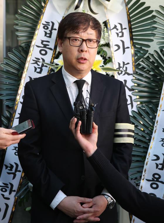 만취 운전자 차량에 치여 뇌사상태에 빠졌다가 끝내 숨진 윤창호(22) 씨의 아버지 윤기현 씨. 송봉근 기자