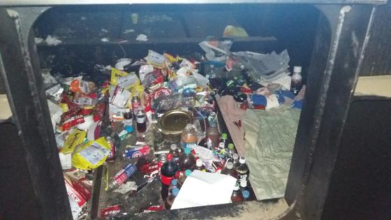 상습절도 혐의로 체포된 김모씨가 은신처로 사용한 고가도로 철골구조물 내부. [사진 광산경찰서]