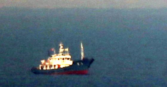 조업 중인 북한 어선. 사진과 기사 내용과는 관련이 없습니다. [중앙포토]