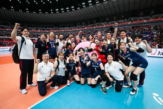 일본에서 열리고 있는 2019 여자배구월드컵에 출전중인 대표팀. [사진 국제배구연맹]