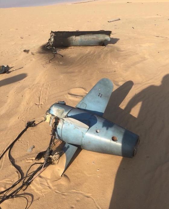 소셜 미디어를 통해 지난 14일 사우디아라비아 석유 시설을 공격에 활용된 크루즈 미사일의 잔해라며 공개된 사진. 추진체가 후티 반군이 지난 7월 공개한 쿠즈(Quds)-1가 유사하다.[Arms Control Wonk]