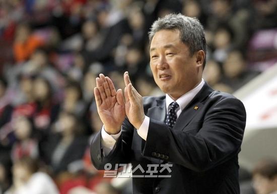 KT 재임 시절 전창진 감독의 모습. IS포토