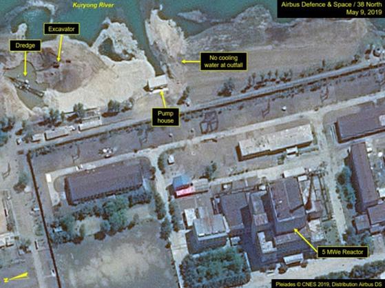북한 영변핵시설의 상업위성사진