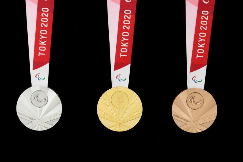 욱일기를 연상시키는 도쿄 패럴림픽 메달. [도쿄올림픽조직위]