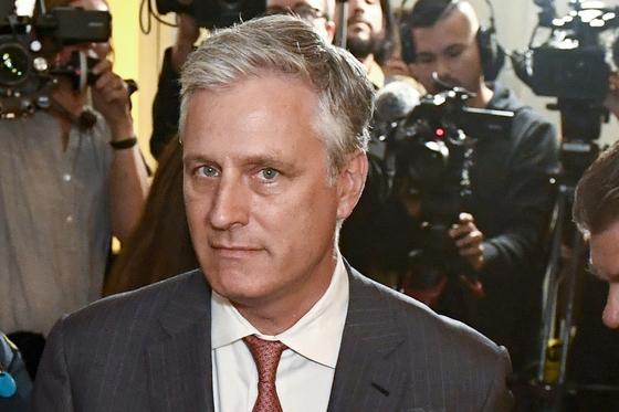 존 볼턴 백악관 국가안보보좌관 후임으로 임명될 예정인 로버트 오브라이언 대통령 특사(인질 협상 담당)를 임명할 것이라고 밝혔다. [EPA=연합뉴스]