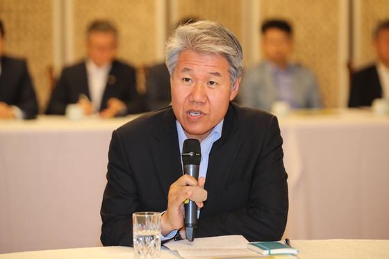 김수현 전 청와대 정책실장이지난 5월 서울 종로구 총리공관에서 열린 고위 당정청협의회에서 모두발언을 하고 있다. 강정현 기자